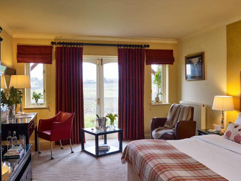 Vineyard-View-Bedroom-1024x768