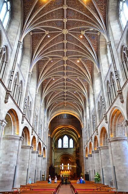 hereford-cathedral-wine-tasting-weekend-ideas