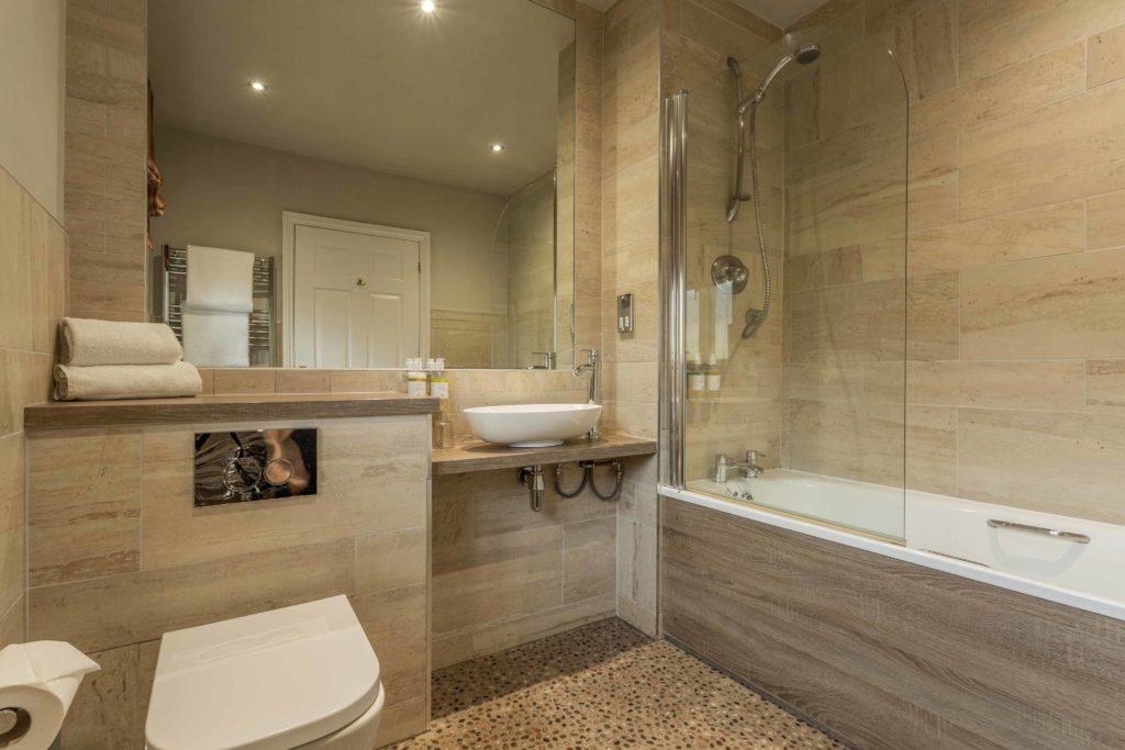 Vineyard-View-Room-Bathroom-1024x683