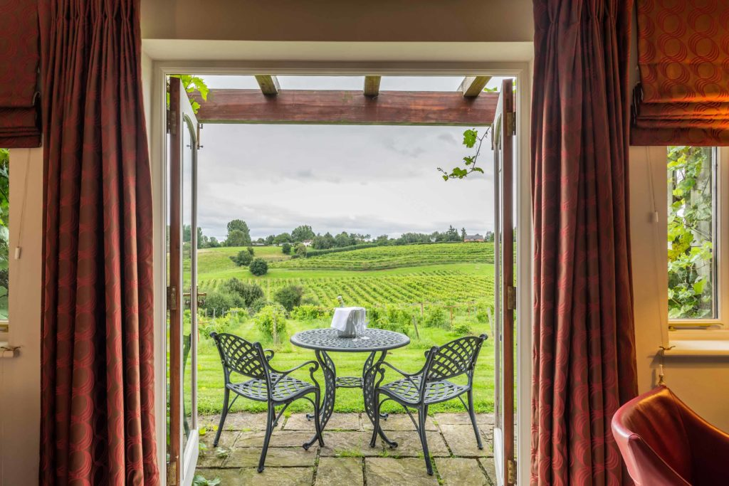 Vineyard-View-Room-Terrace-1024x683
